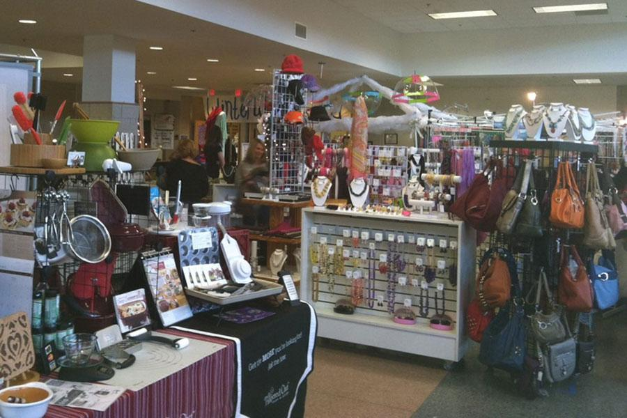 Mistletoe Market Shopping Extravaganza