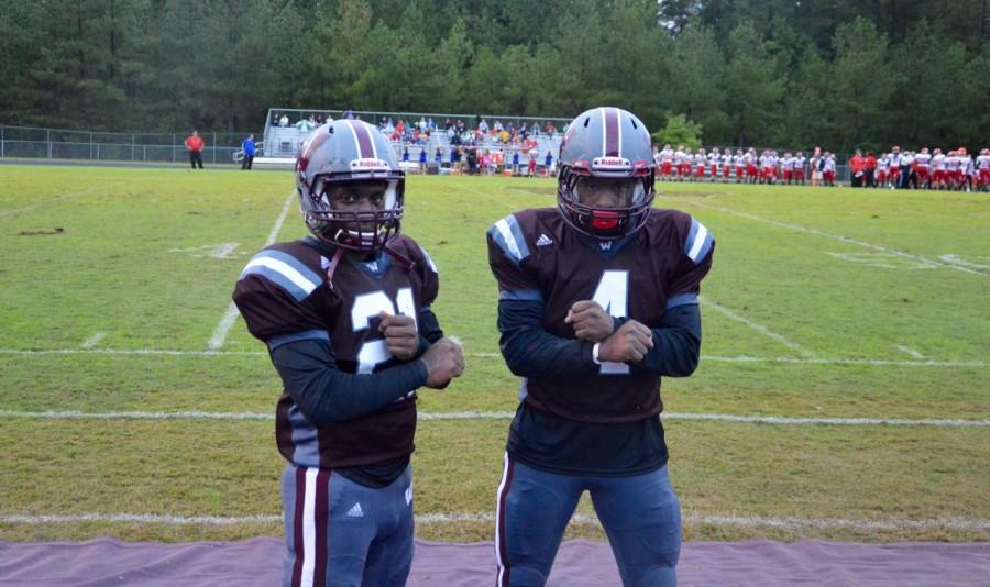 Khaaliq Lewis (left) and Daryn Jones (right) get hype before game time.