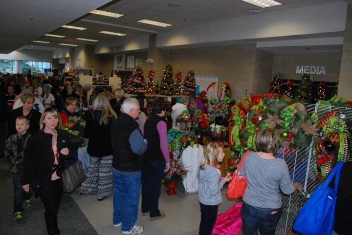 Mistletoe market brings the holiday spirit to Wakefield.