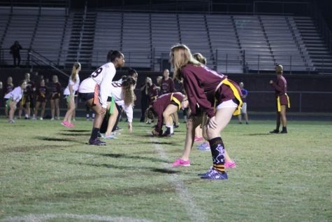 Class of 2018 dominates in powderpuff football game