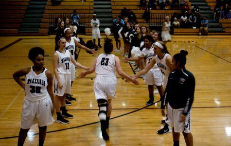 Women's basketball shoots for Cap 8 title