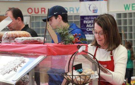 Mistletoe Market brings cheer, opportunities to community